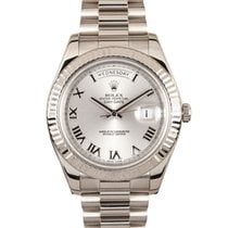 Rolex Day-Date II pre-owned 41mm Date White gold