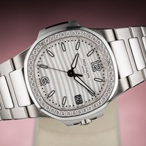 Patek Philippe Nautilus White gold 35mm Silver (solid)