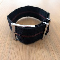 Tudor Fabric black/red strap B240-103-Q1