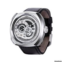 Sevenfriday Q1/01 new