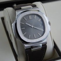 Patek Philippe 5711G-001 White gold 2007 Nautilus 40mm pre-owned