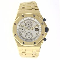 Audemars Piguet Yellow gold Automatic Silver No numerals 42mm pre-owned Royal Oak Offshore Chronograph