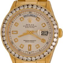 Rolex Day-Date 36 Yellow gold 35mm Silver No numerals