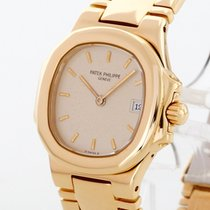 Patek Philippe 4700 Yellow gold Nautilus 27mm pre-owned