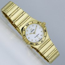 Omega Constellation Ladies Yellow gold 23mm Mother of pearl