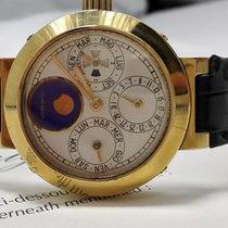 Gérald Genta Perpetual Calendar La 19 - Men's 18-kt Watch