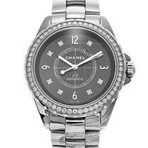 Chanel J12 H2566 pre-owned