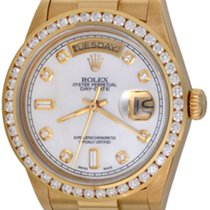 Rolex Day-Date 36 Yellow gold 35mm Mother of pearl No numerals