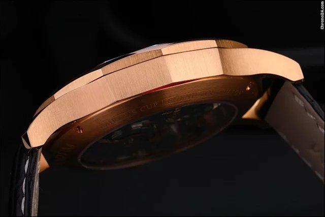 Продаются часы Corum Limited To 75 Pieces 18K Rose Gold 029.101.55/0002  FH12 за 1 482 652 ₽ - Seller на Chrono24