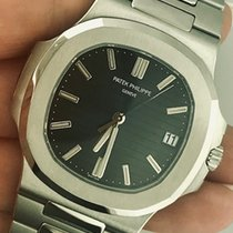 Patek Philippe 40mm Automatic new Nautilus