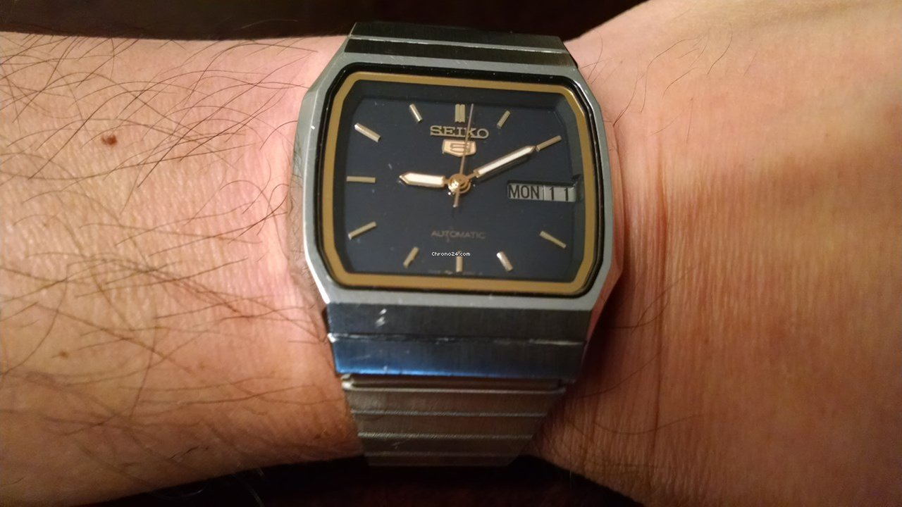 Seiko 5 Rare Japanese Mens 35mm Auto Stainless Steel 1980s Vintage Watch