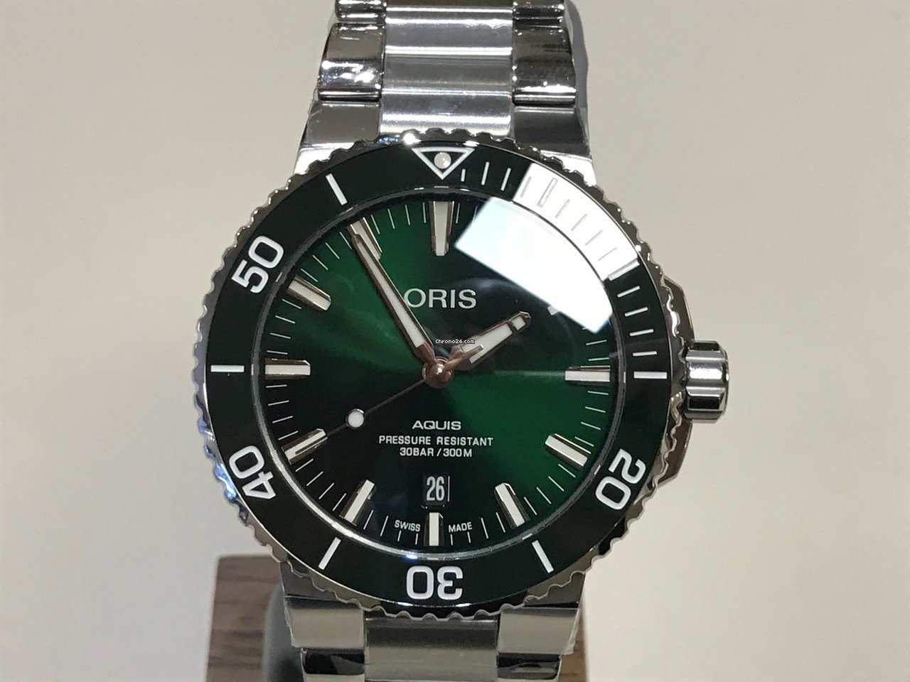 Oris Aquis Date Green Dial For 163 1 446 For Sale From A