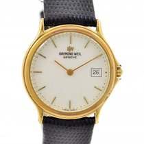 Raymond Weil Geneve Quartz Midsize Watch