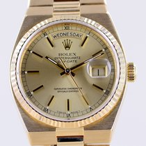 Rolex Chronometer 36mm Quartz 1982 pre-owned Day-Date Oysterquartz Gold