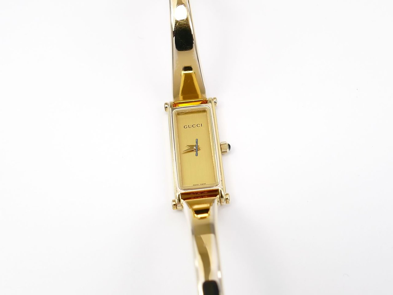 932608782f9 Gucci 1500L Champagne 18k Gold Plated Standard Bangle Watch for  305 for  sale from a Trusted Seller on Chrono24
