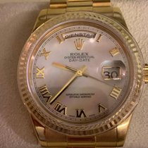 Rolex Day-Date 36 Yellow gold 36mm Mother of pearl Roman numerals