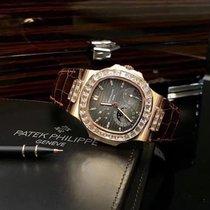 Patek Philippe Nautilus Rose gold 40mm Black