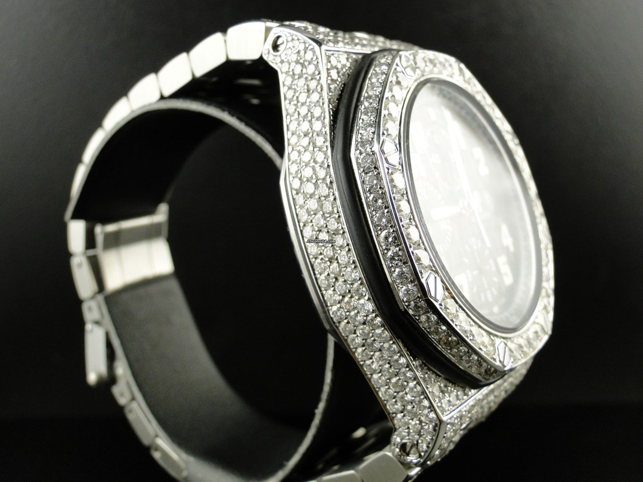 Audemars Piguet Mens Iced Out Royal Oak Offs Diamond For 30 000 From A Trusted Er On Chrono24