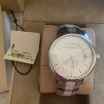 Burberry Women's watch pre-owned Watch with original box and original papers