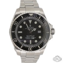 Rolex Sea-Dweller | 40mm Stainless Steel with Black Bezel | 16600