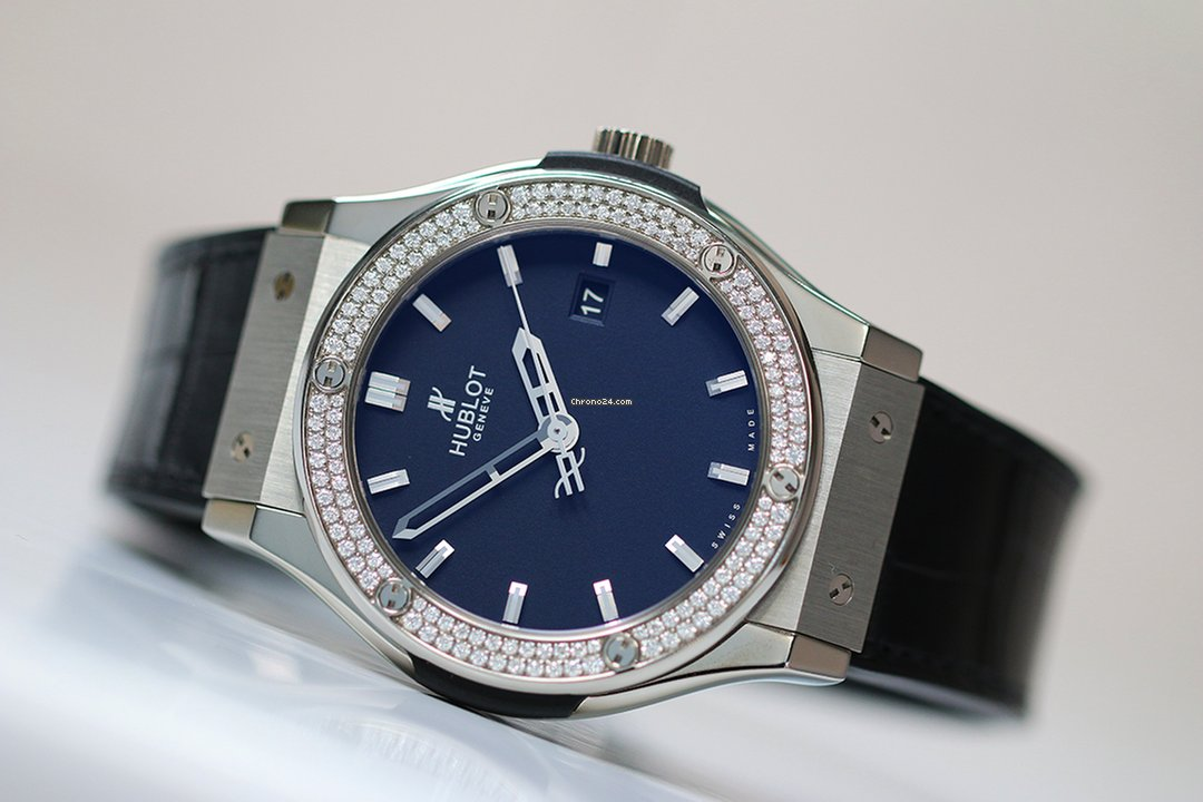 plus de photos 6f1d4 e4262 Hublot CLASSIC FUSION TITANIUM DIAMONDS