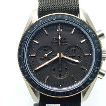Omega 311.62.42.30.06.001 Titanium 2014 Speedmaster Professional Moonwatch pre-owned
