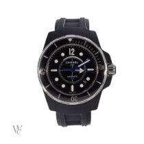 Chanel Acier Remontage automatique Noir 42mm occasion J12