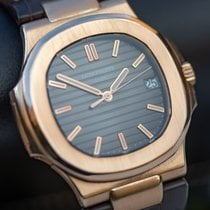 Patek Philippe Rose gold 40mm Automatic 5711R pre-owned