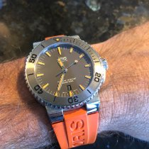 Oris Aquis Date pre-owned 43mm Rubber
