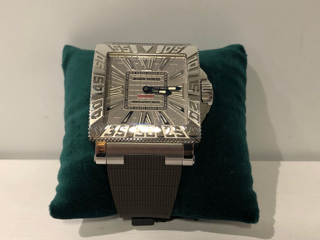 ce293af3f Relojes Roger Dubuis - Precios de todos los relojes Roger Dubuis en Chrono24