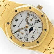 Audemars Piguet Royal Oak Day-Date Yellow gold 36mm White No numerals