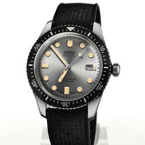Oris Divers Sixty Five new Automatic Watch with original box and original papers 01 733 7720 4051-07 4 21 18