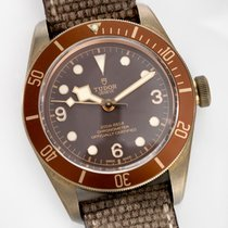 Tudor BLACK BAY BRONZE REFERENCE 79250BM