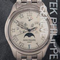 Patek Philippe Annual Calendar pre-owned 37mm White gold