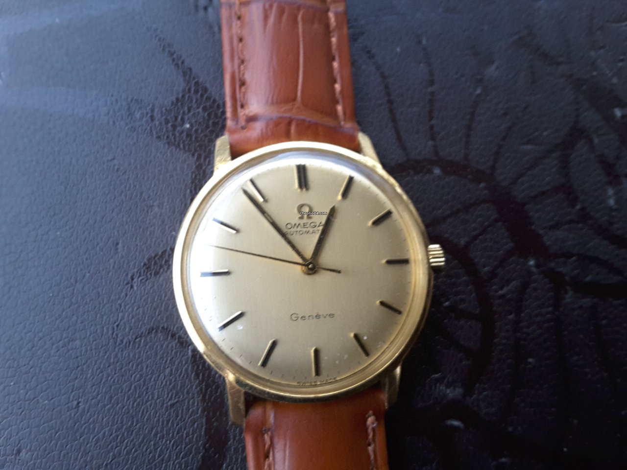 7aa556b5e7a7 Omega Geneve Solid 18K Gold for  1