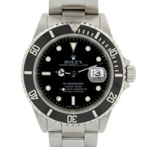 Rolex Submariner Date 16610 2002 pre-owned