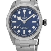 Tudor Black Bay 32 No numerals United States of America, New York, Brooklyn