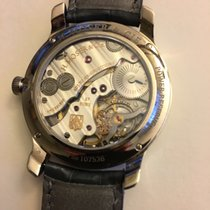 H.Moser & Cie. 1321-0400, Endeavour small seconds,