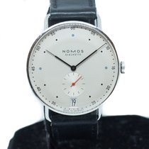 NOMOS Metro 38 Datum pre-owned White Date Leather