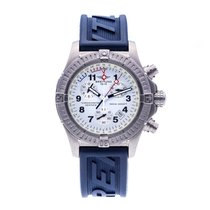 Breitling Avenger pre-owned 44mm Chronograph Date Silicon