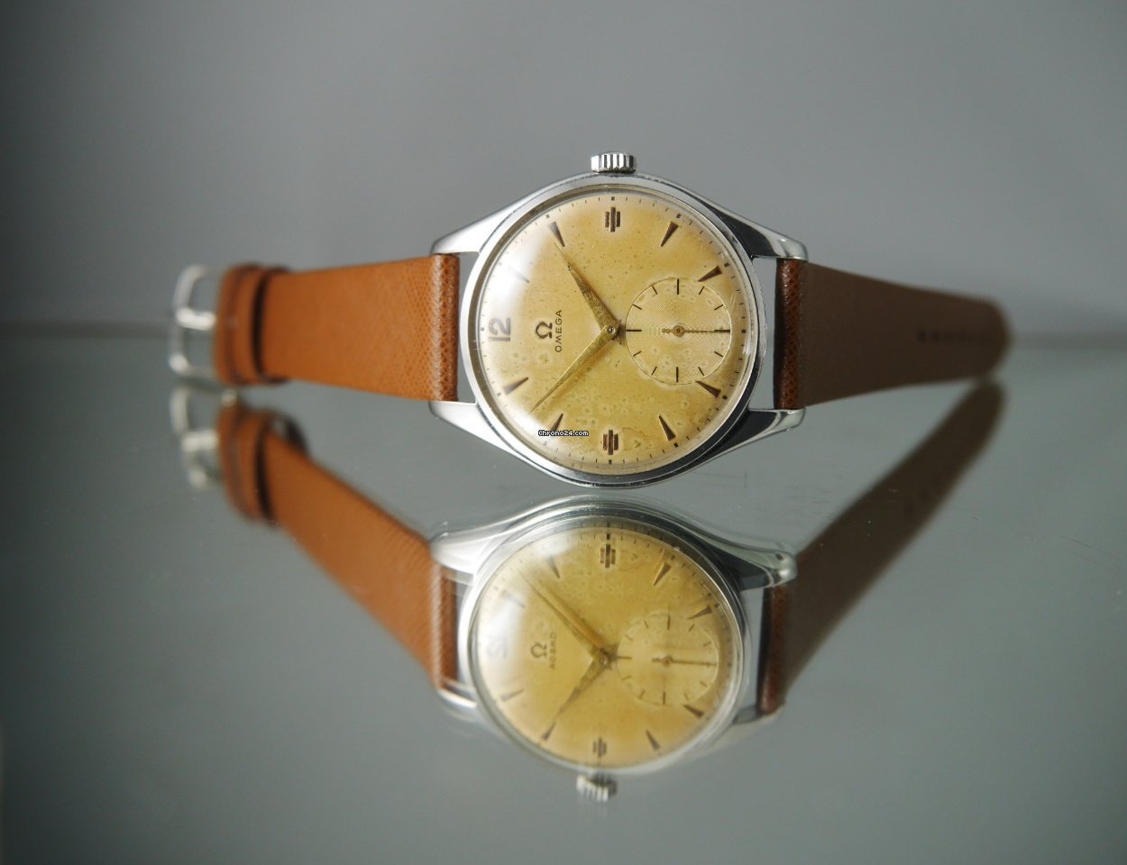 Omega 2505-30 pre-owned