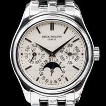 Patek Philippe Perpetual Calendar pre-owned 37mm White gold