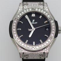Hublot Classic Fusion Titanium Pavé 33mm - watch on stock in...