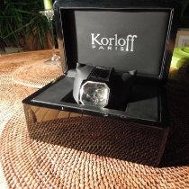 Korloff Stahl 40mm Quarz TKC254 cadran noir sertie de diamants (0.39 carats) neu