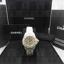 Chanel Ceramic 33mm Quartz CHANEL 香奈兒手錶 J12 H2422 33mm 珍珠母貝鑲鑽面 n0107 pre-owned