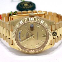Rolex Day-Date 40mm yellow gold president champagne roman dial