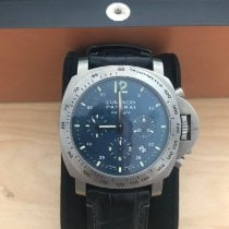 Panerai Luminor Chrono pre-owned 44mm Titanium