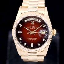 Rolex Day-Date 36 Or jaune 36mm Rouge Sans chiffres