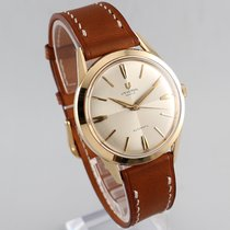 Universal Genève Vintage 14K Gold Dress Watch