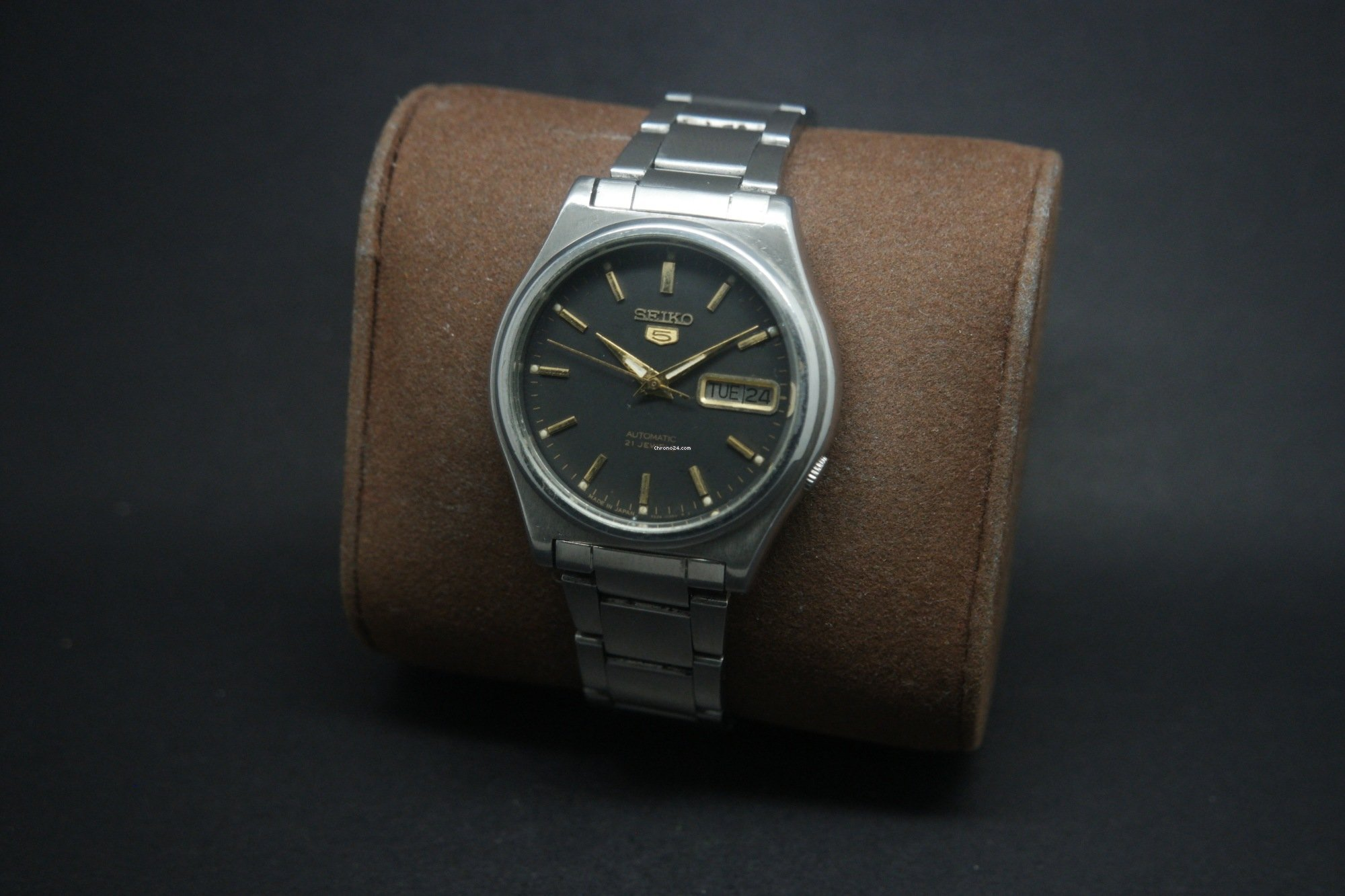 Seiko Vintage Seiko 5 Automatic Black Dial Day Date 21j Watch